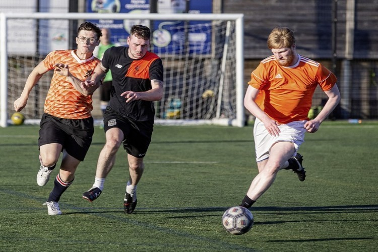 The race is on to join the Aberdeen 6 a side league!